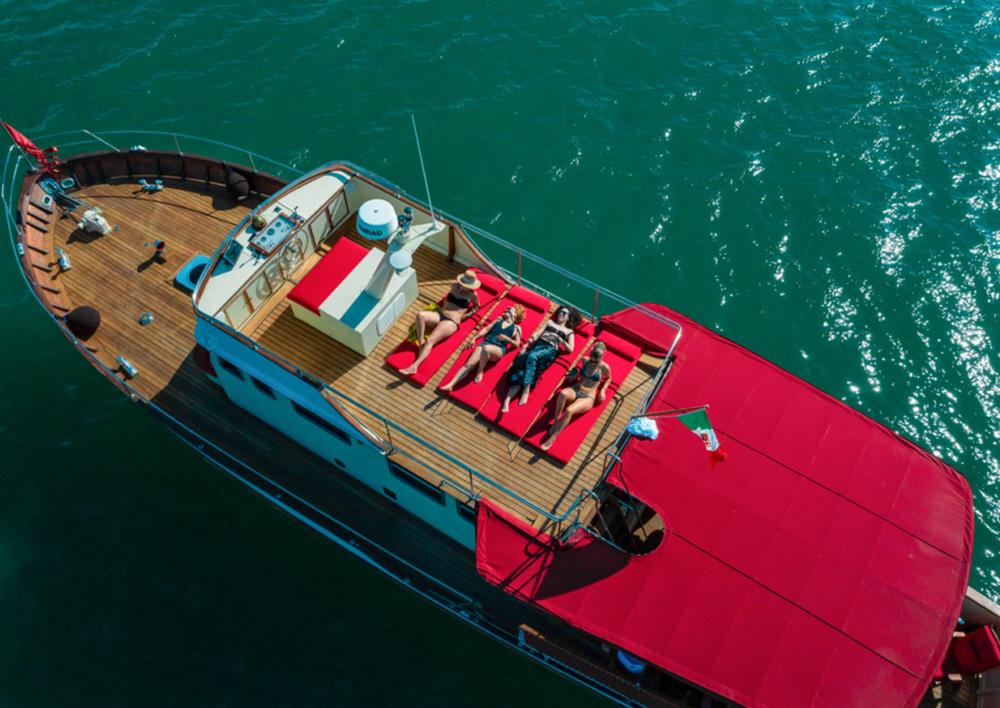 amici_veri_superior_boat_1