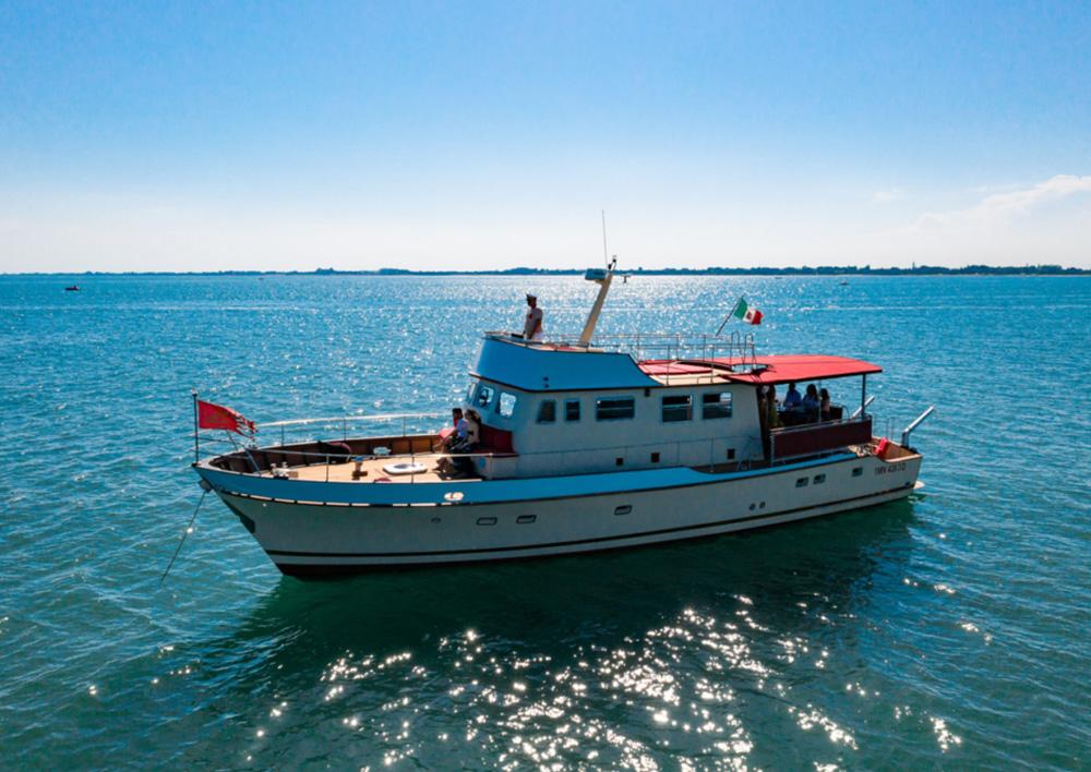 amici_veri_superior_boat_4